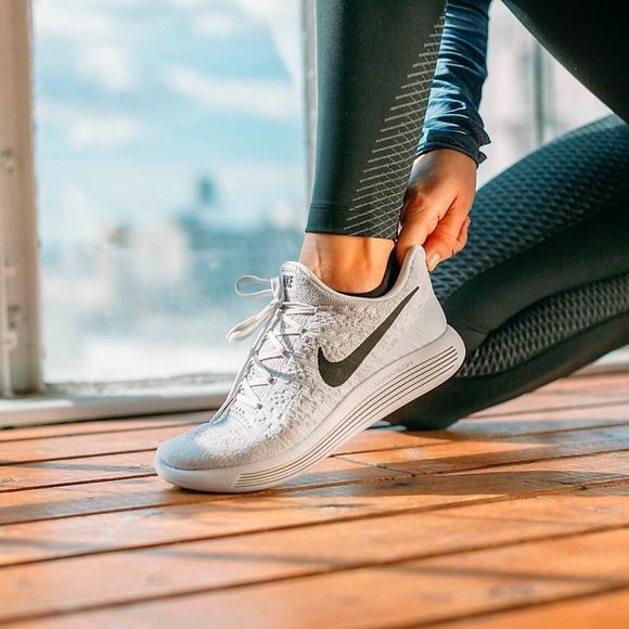 fd12fb83f1937 Nike Women s LunarEpic Low Flyknit 2 Sneaker. M 5abebd6c45b30c1be290bd9b